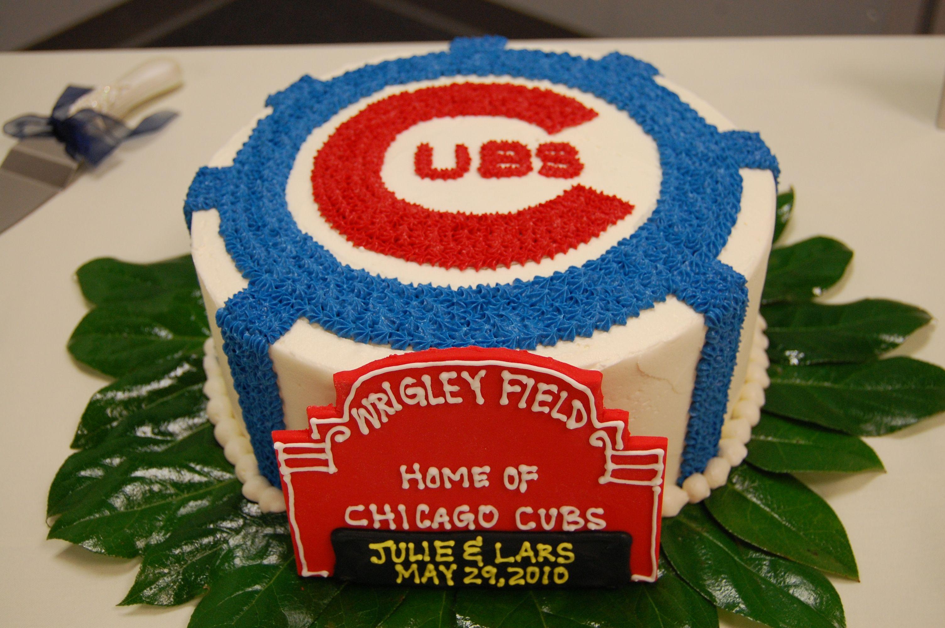 Pin By Kari Machal Designs On Wedding Inspiration Cubs Cake Chicago Cubs Cake My Birthday Cake
