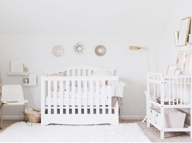 Chambre bébé contemporaine, moderne, cosy. Trouvez des idées de#commode, d'#étagères avec http://jaime.mobibam.com/chambre/chambre-bebe/, #meuble sur-mesure.