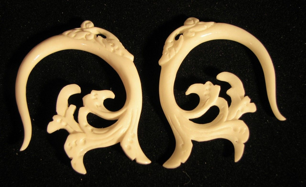 Serindipity Ornately Carved Bone Spiral Ear Gauges 6g 2g Organic Earrings Organic Earrings Ear Gauges Ear Jewelry