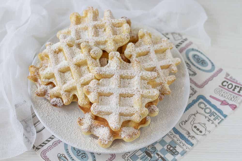 Ricetta Waffle Di Benedetta.Waffle Soffici Alla Vaniglia Fatto In Casa Da Benedetta Waffle Ricette Idee Alimentari