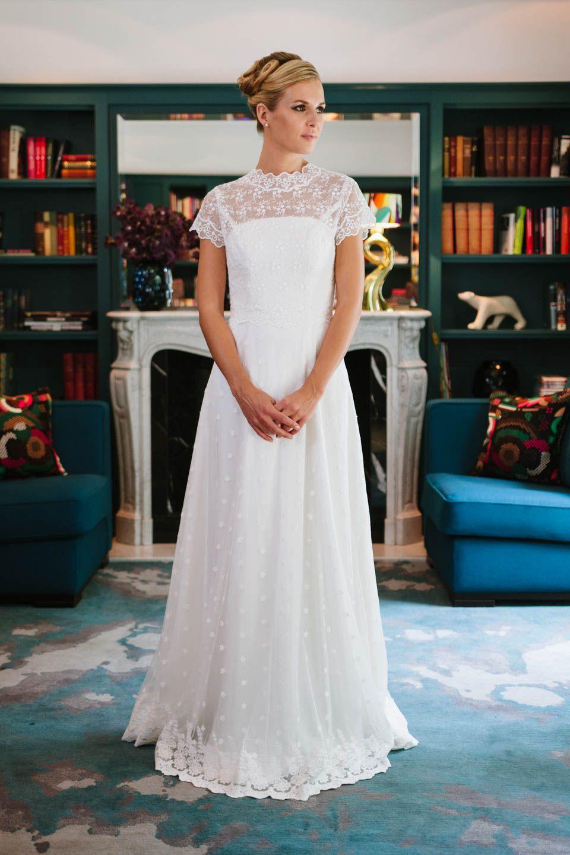 Unser schönes Brautkleid Holly und der Spitzenbolero J-1047 mit ...