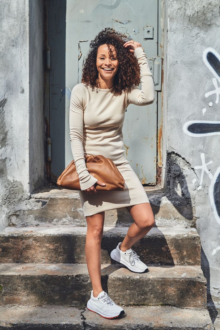 I never thought that my dad or Jerry Seinfeld would be more fashionable than I am, but it appears their relaxed fashion choices from the late 80s and early 90s, have crept out of the fashion-don't category and found their way back into the limelight. Try this sneaker trend! #fashion #sneakers #style