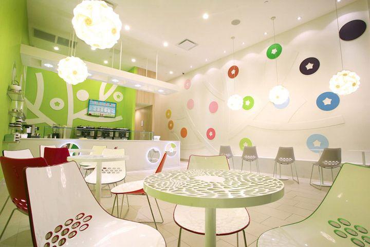 Ice cream bluberi frozen yogurt shop by emmanuelle moureaux woodbridge usa store design la for Interiors modern home furniture woodbridge va