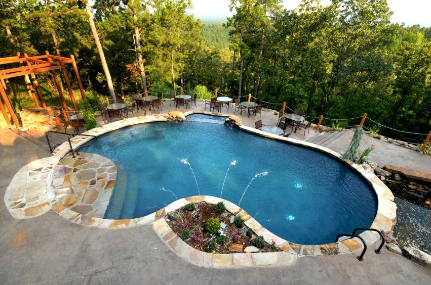 Pool design holz  23 Outdoor Kidney-Shaped Swimming Pools (Gorgeous) | Kidney shaped ...