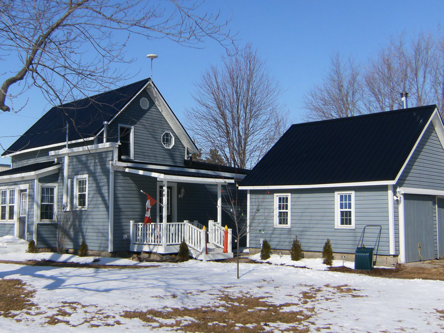 Rib Steel Roofing Is Great For Canadian Winters Get A Free