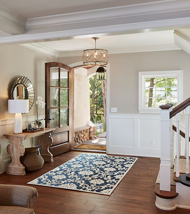 Warm Dining Room Colors: Luxurious Lakeside Cottage With Timeless Coastal Interiors