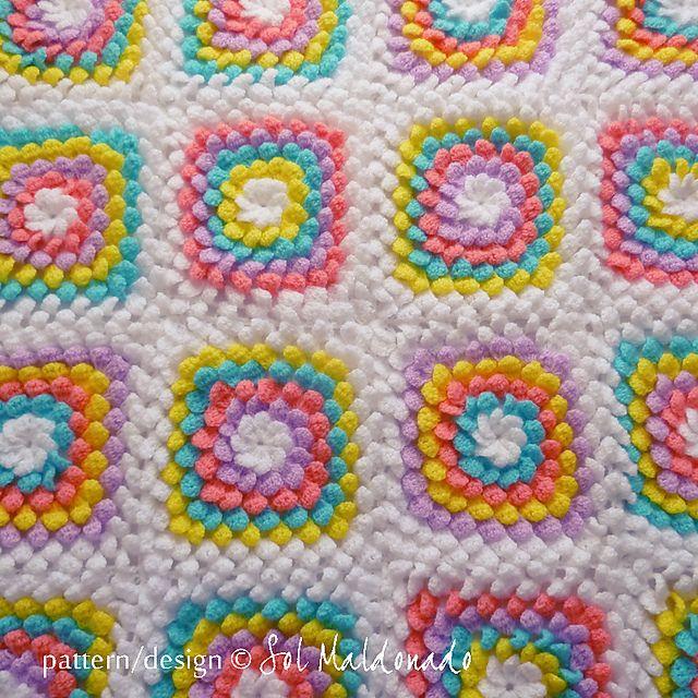 Floral Yummy Granny Square pattern by Sol Maldonado