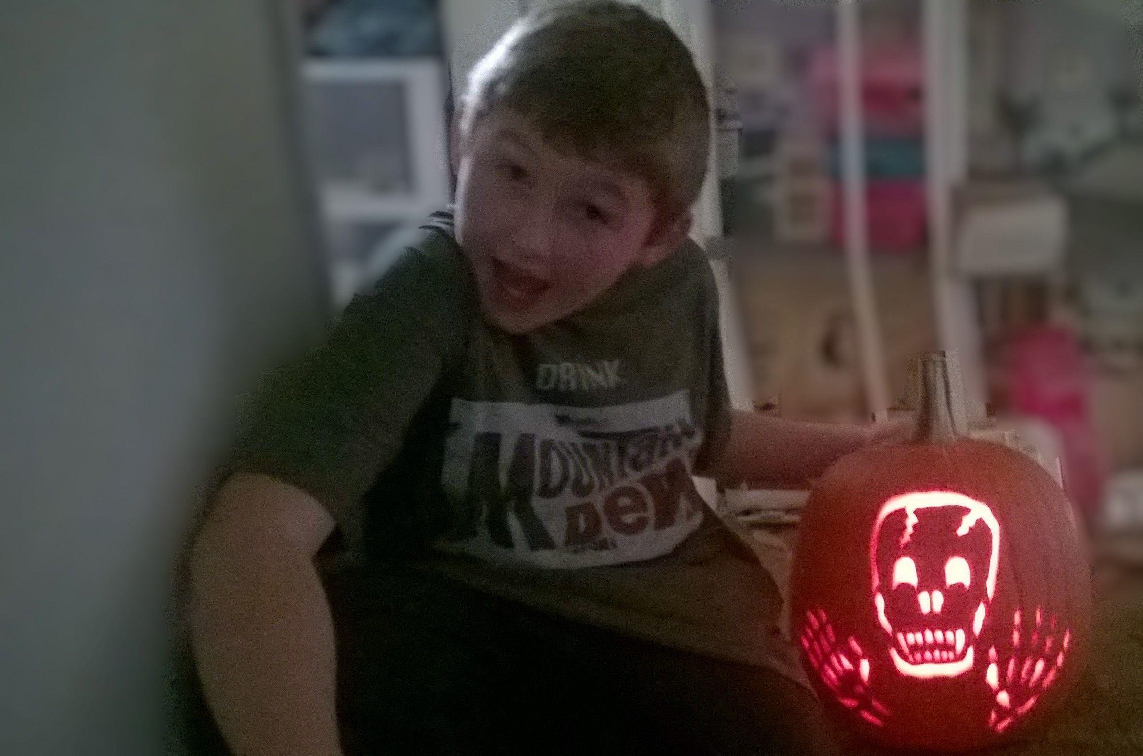 Olis skeleton pumpkin. Free hand