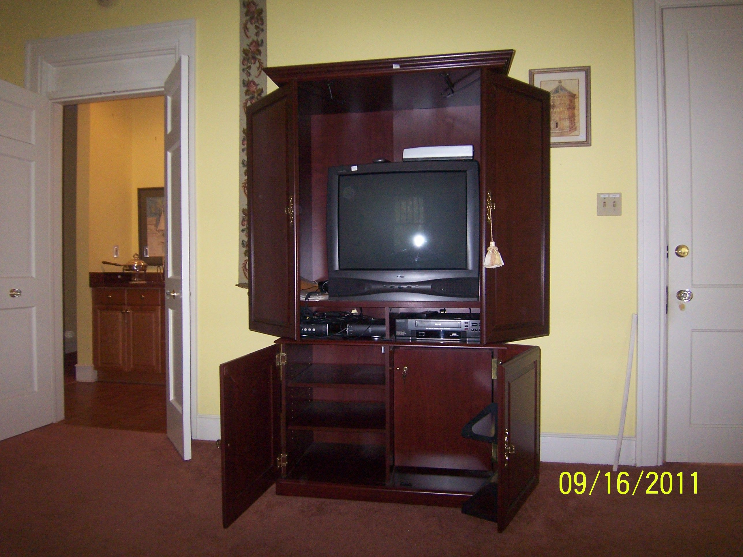 Bombay Tv And Entertainment Center In Poohbeau S Garage Sale Atlanta Ga With Images Tv Built In Sale House Garage Sales