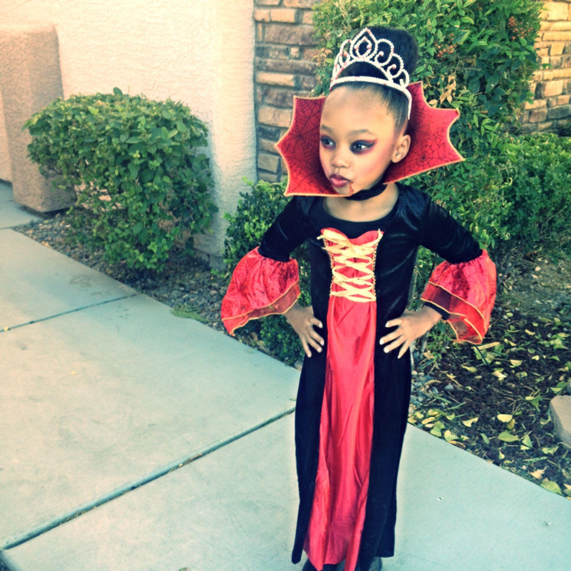 Girls vampire costume Halloween Girls vampire costume