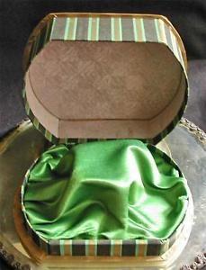 1930s-Striped-Black-Green-Gold-Paper-Covered-Jewelry-Watch-Bracelet-Display-Box