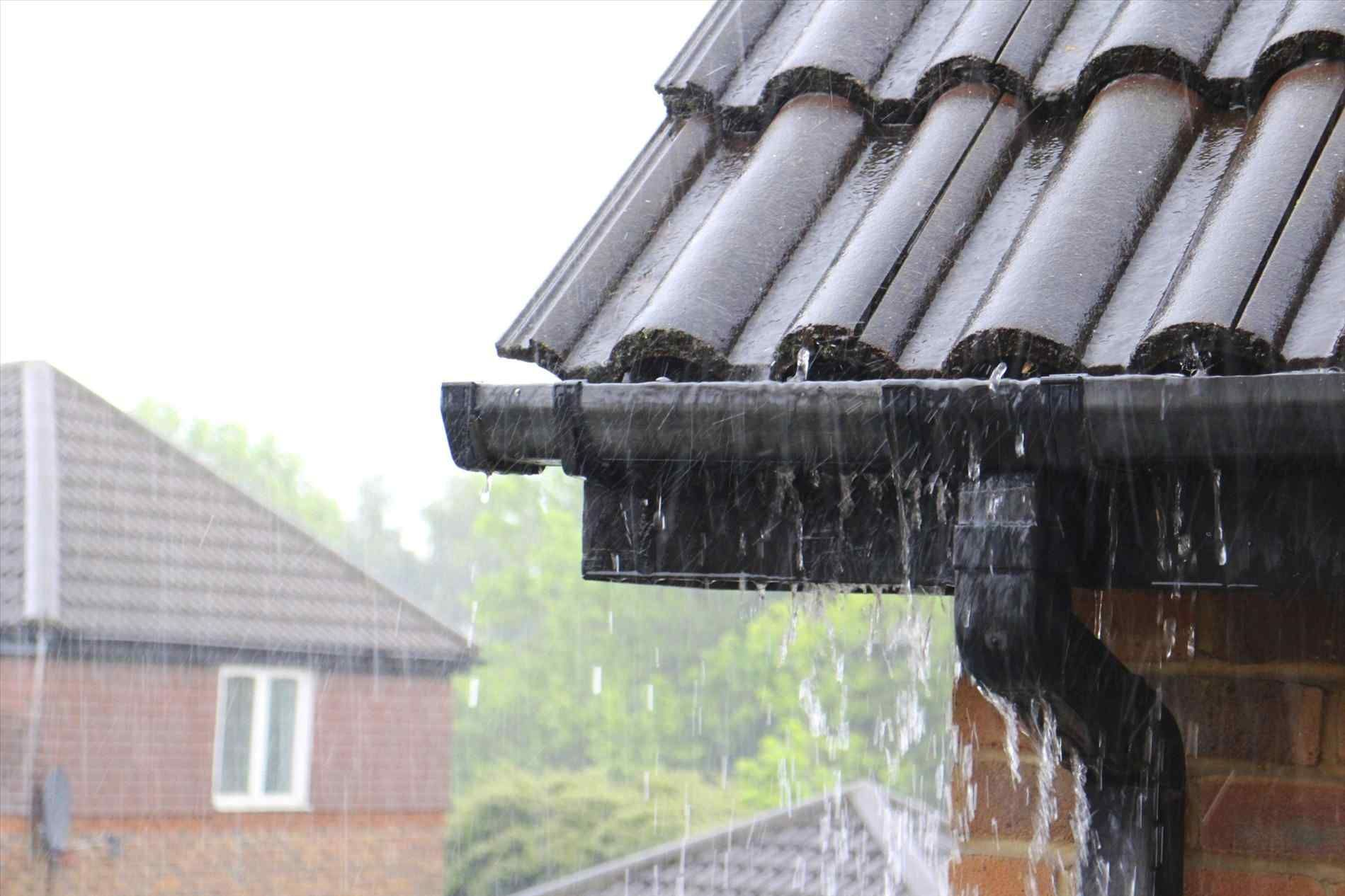 Gutters On Metal Roof Seamless Gutters Gutters Rain Gutters