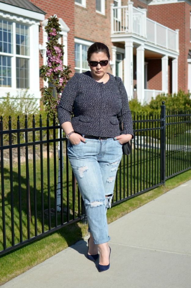fc2b3c06b77 March-and-May-distressed-denim-outfits-curvy-fashion-blogger-plus-size