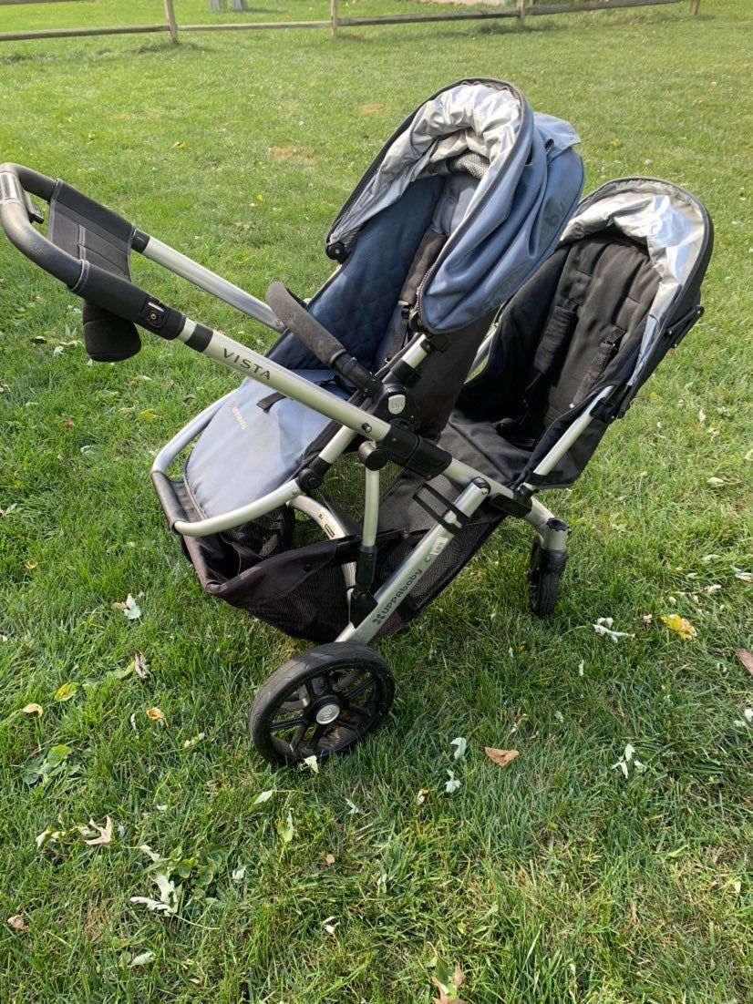 Uppababy Vista stroller system in great condition