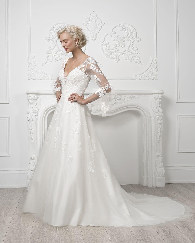 Elegant wedding dress from Jacqueline's Bridal in