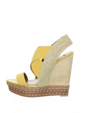 Boutique 9 Isabella Sandal