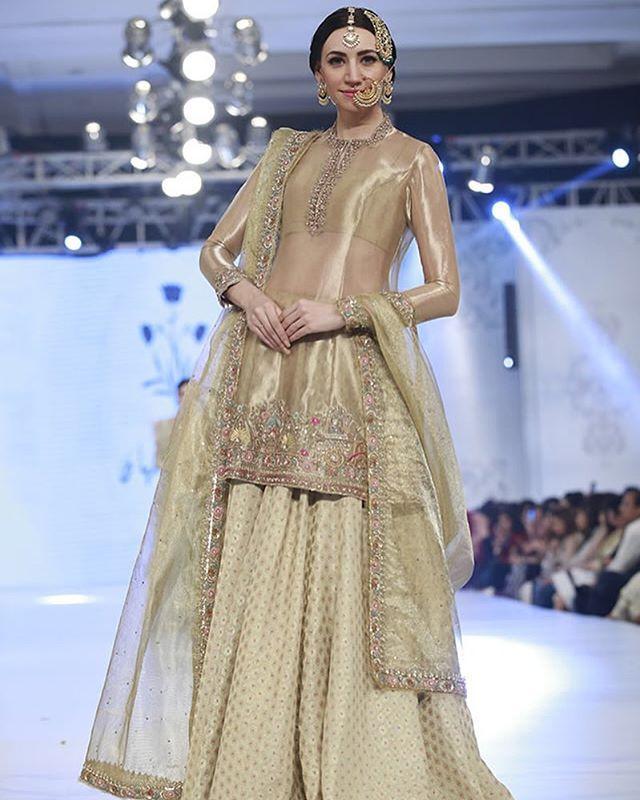 b16b4d4293 Zara Shahjahan at #PLBW16 Pakistani couture | Pakistani couture ...