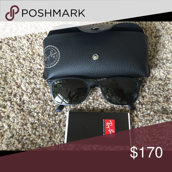 c9f5f1afc8 Ray ban sunglasses. Wayfarer light Ray black.Nwot Wayfarer light Ray  black.Nwot