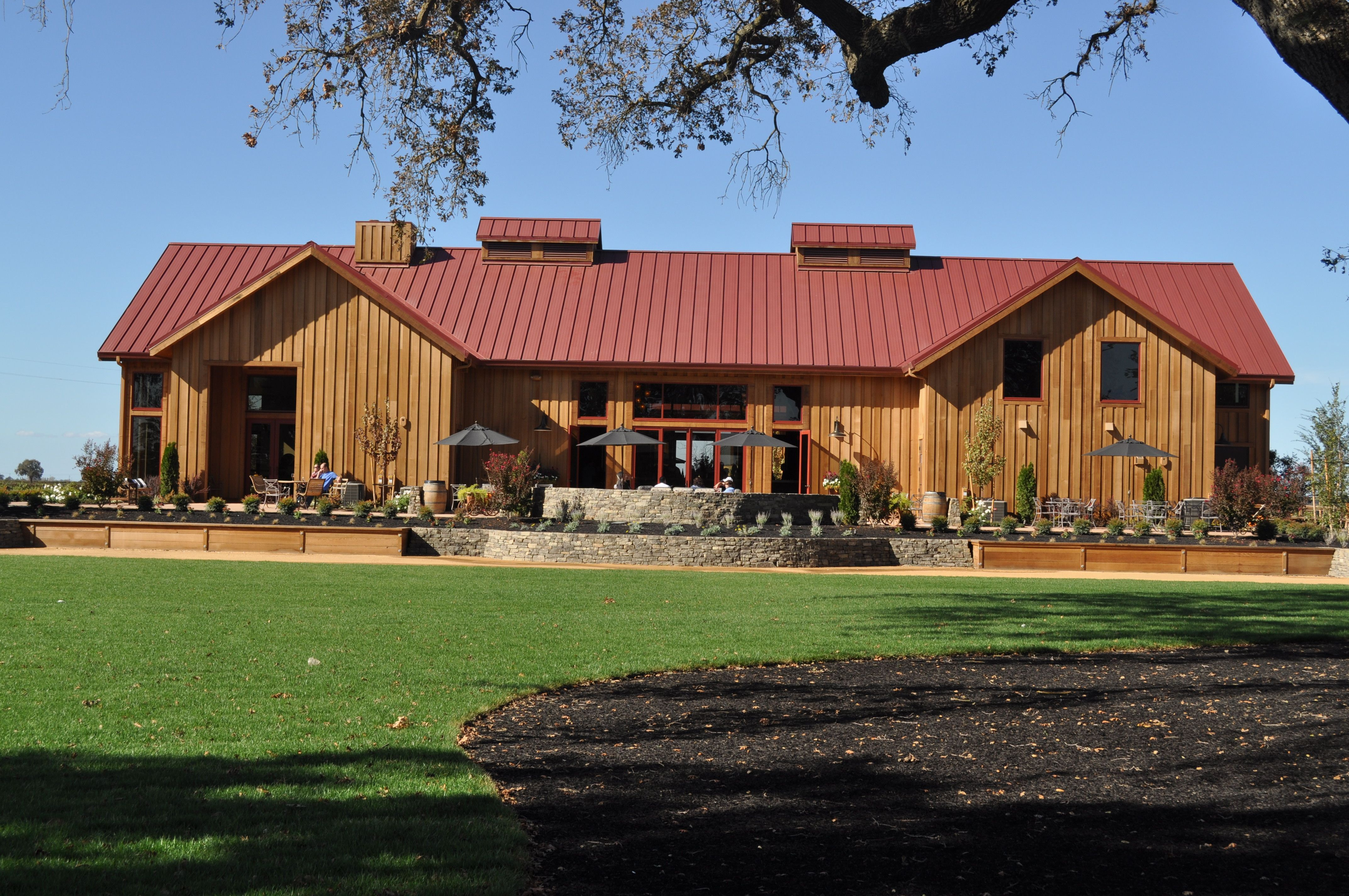 View Of Oak Farm Winery And Its Flawless Valleys Created By The Snaptablehd On 1 1 2 Snap Lock Panels By Drexal Met Metal Roof Standing Seam Metal Construction