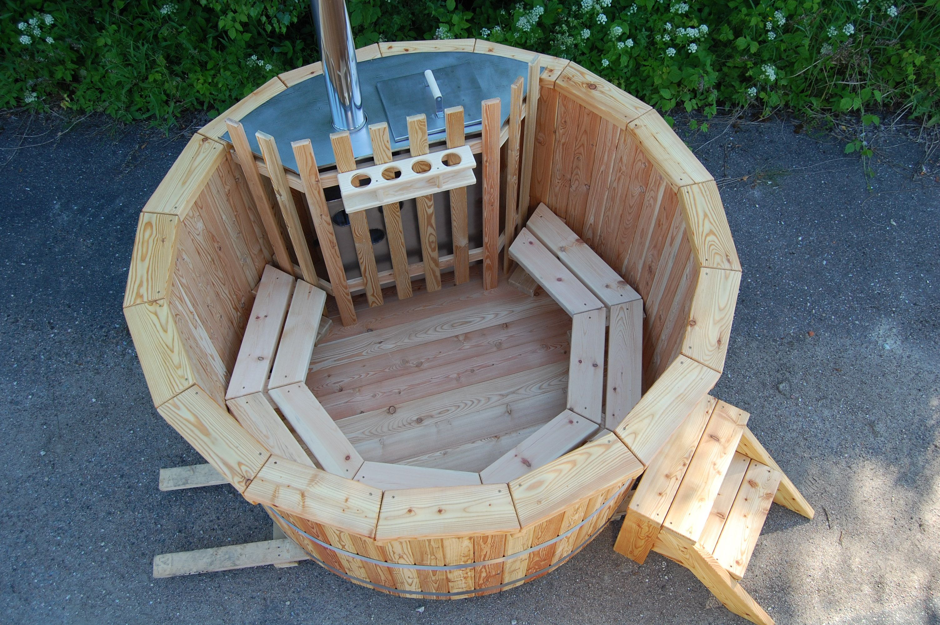 Deluxe Larch Hot Tub With Internal Heater #Wooden #Larch #Hottub