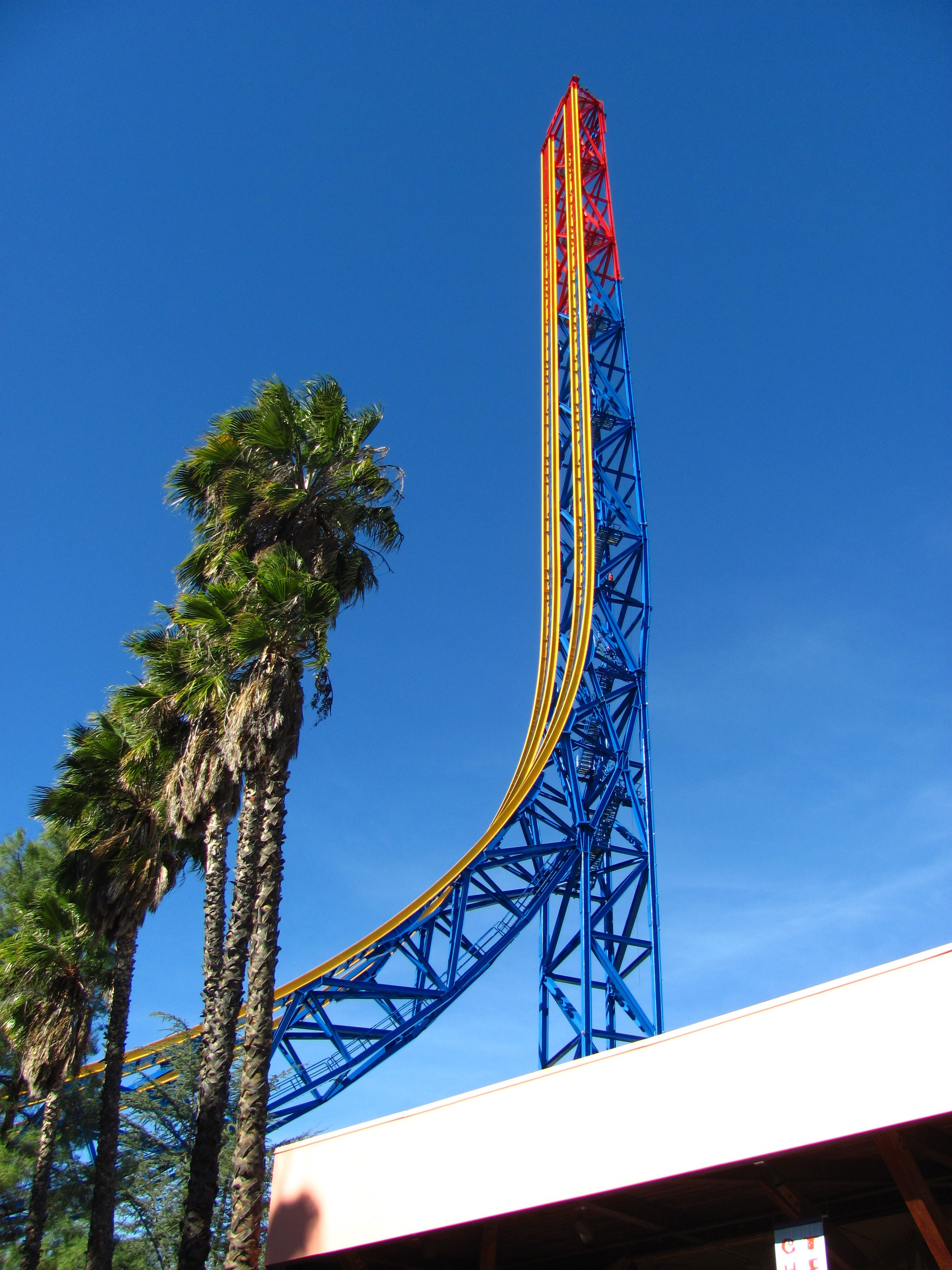 Superman Escape From Krypton S Tower At Six Flags Magic Mountain Roller Coaster Fastest Roller Coaster Roller Coaster Ride