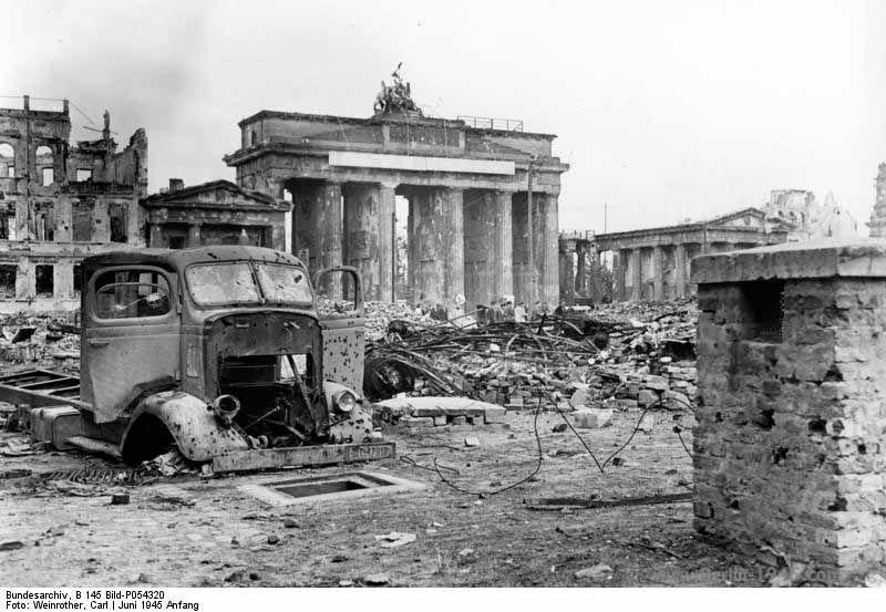 B 145 Bild P054320 Brandenburg War Photography Berlin