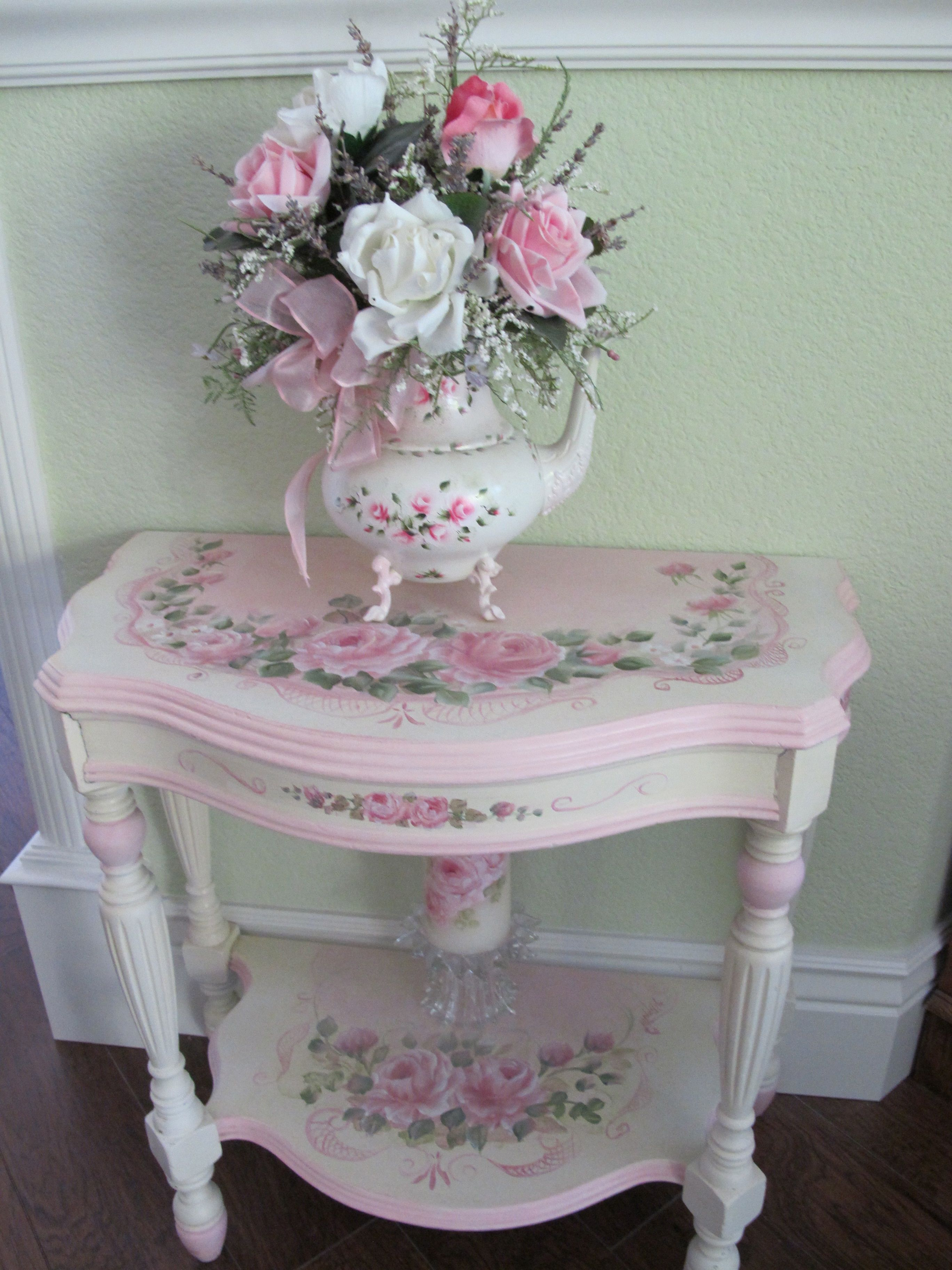 Shabby chic pink table and roses cottage style decorating
