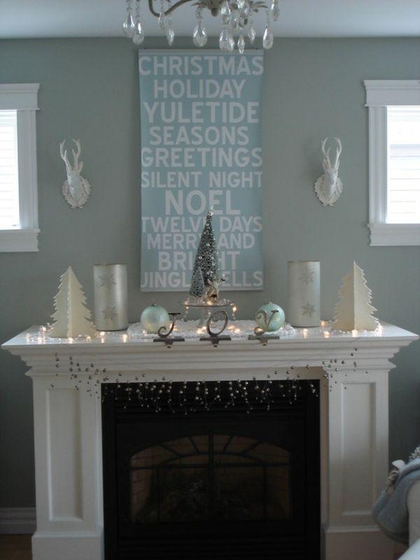 Puristische Einrichtung Lichterketten Kamin Weiße Weihnachten