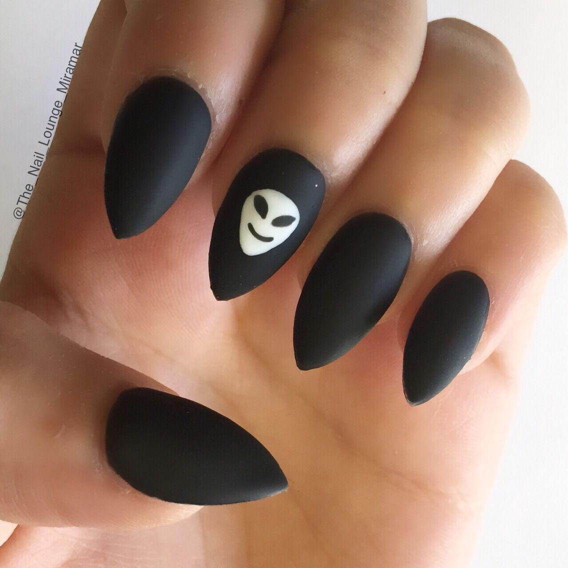 Matte black alien stiletto nails | Nail Art | Pinterest | Matte ...