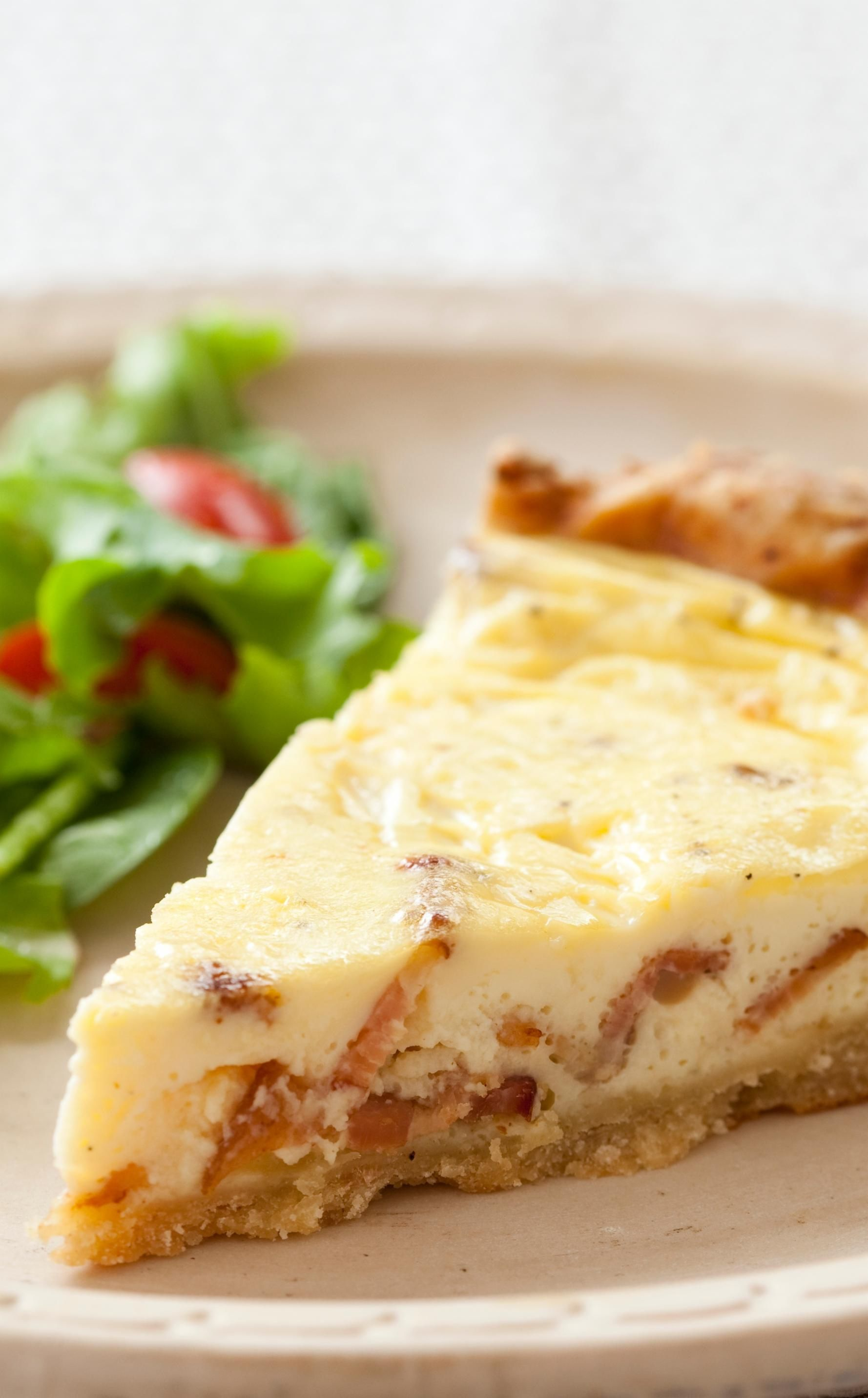Quiche Lorraine A Super Savory Creamy Quiche That Is The Perfect Choice For Brunch Or Even Dinner Quiche Lorraine Quiche Lorraine Recipe Buttermilk Recipes