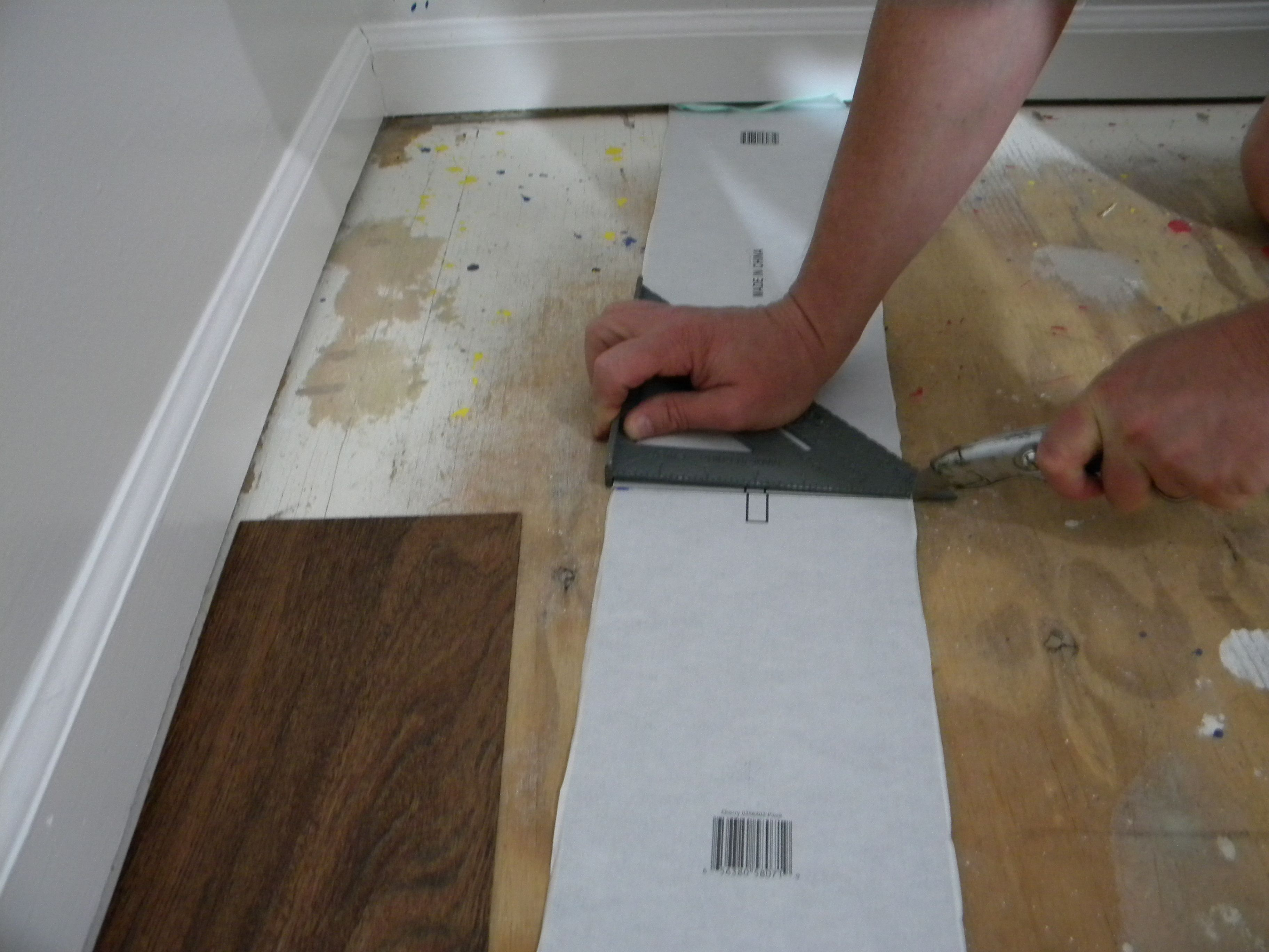 Install plank vinyl flooring the easy uncomplicated way utility install plank vinyl flooring the easy uncomplicated way utility knife plank and easy dailygadgetfo Image collections