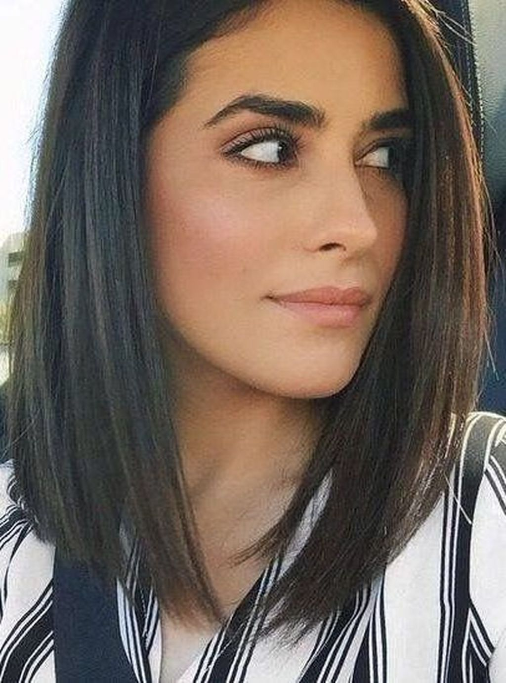 40 Inspiring Medium Length Hairstyles Ideas Which You Will Love Medium Hair Styles Short Straight Hair Medium Length Hair Straight