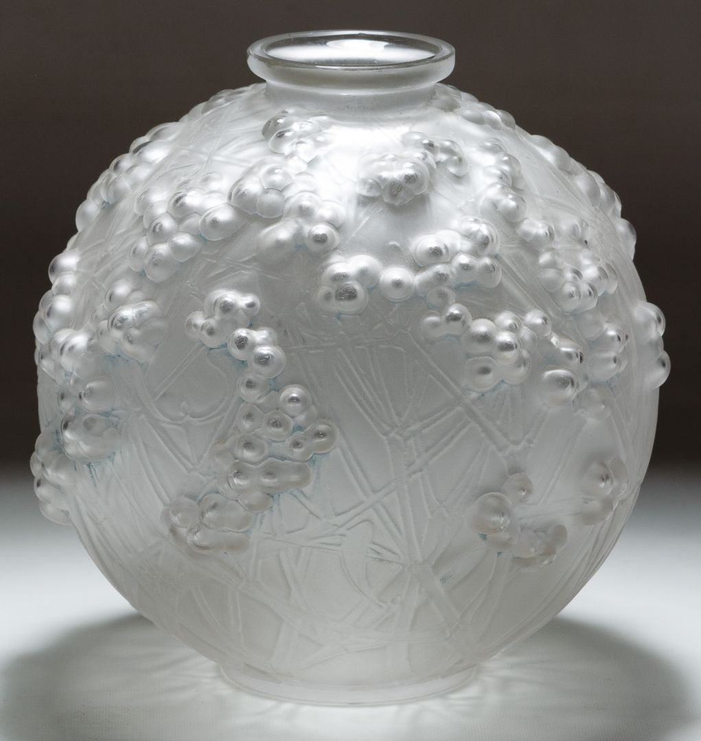 Lot  R Lalique Style Crystal Druide Vase Having A Vine And