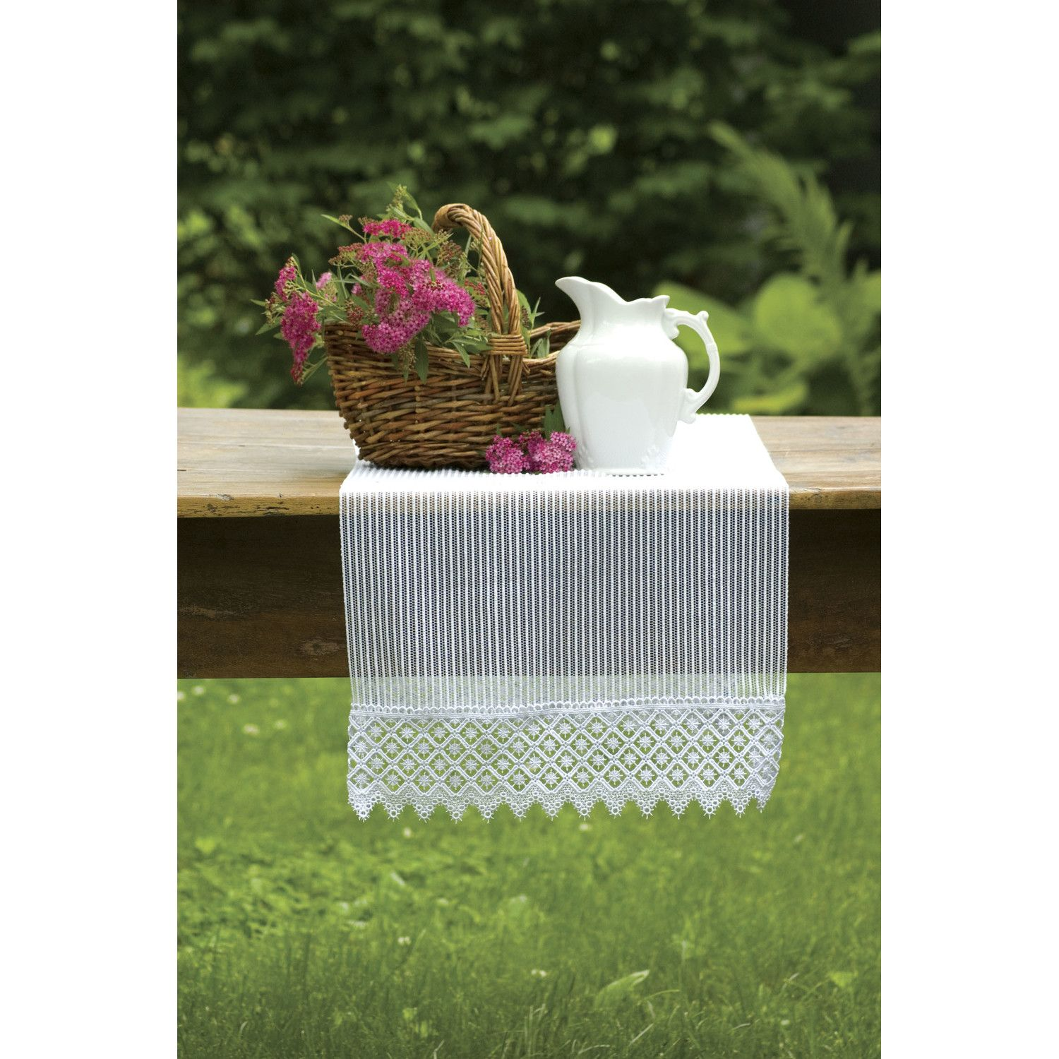 Heritage Lace Chelsea Table Runner
