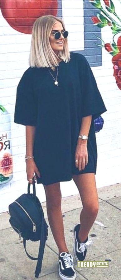 #Sommer #Outfits Schwarzes Kleid und schwarze Vans-Lowtops