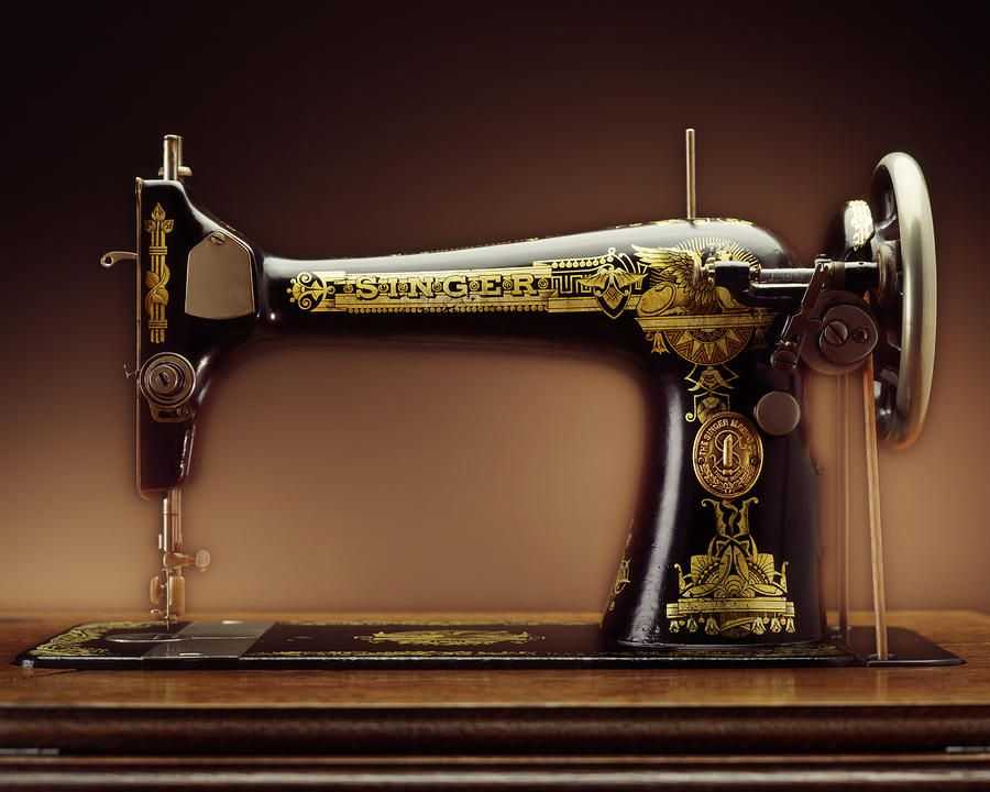 Antique Singer Sewing Machine By Kelley King Sewing Machine Singer Sewing Antique Sewing Machines