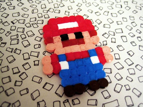 Pixel Mario - mini hero /magnet or brooch/ 4€