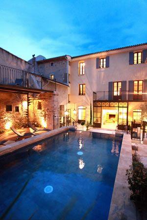 Mas des Herbes Blanches Relais \ Châteaux Gordes - Luxury Hotel - chambre d hotes aix en provence piscine