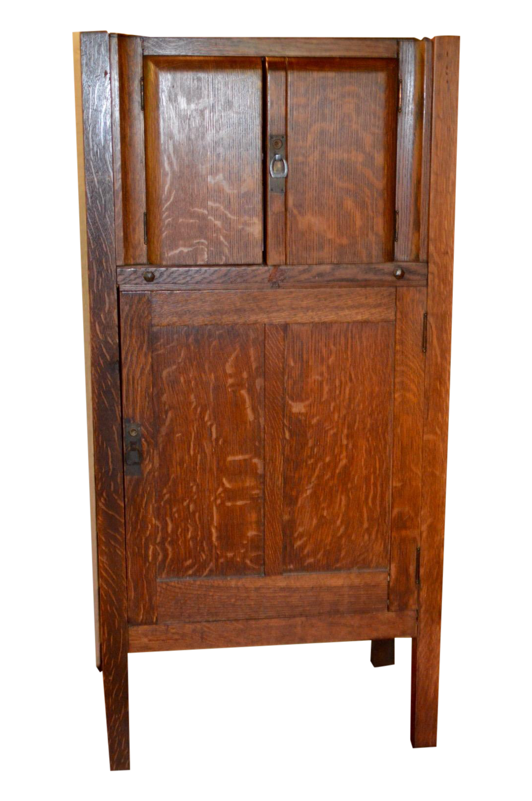 Superieur This Is A Circa 1925 Mission Oak Prohibition Era Liquor Cabinet With  Locking Door. Maker