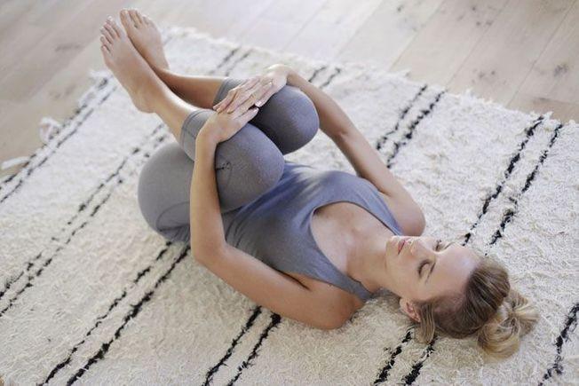 épinglé Sur Yoga Position