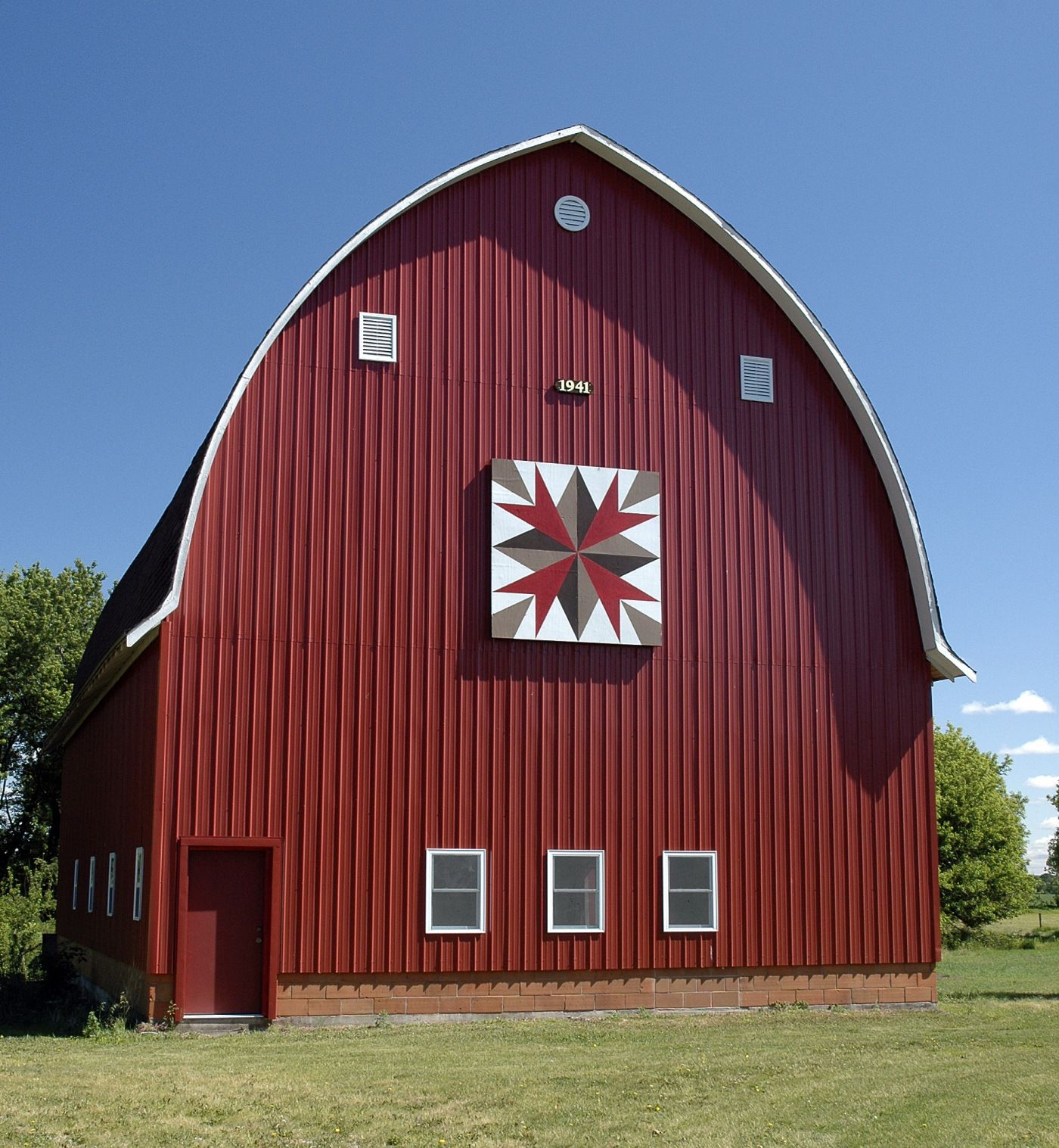 Things To Do: Barn Quilts Of Black Hawk County Tour