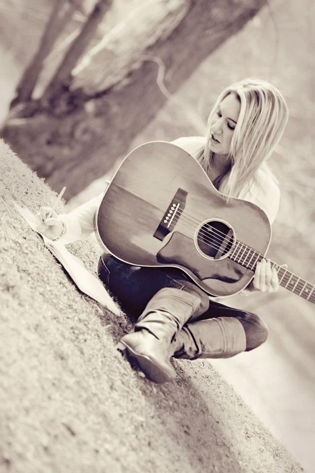 Pin By The Grey Lennon Lada Designs On Lauren Davidson Photography Musicians Artists Photography Musician Photography Musician Portraits Music Photoshoot