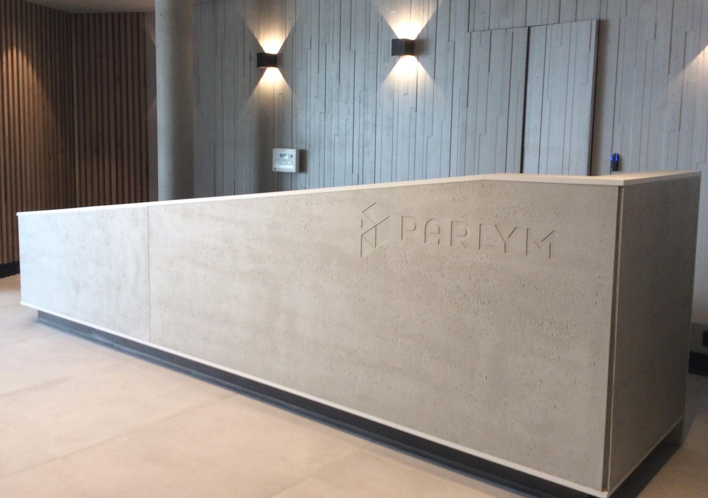 Banque D Accueil Sur Mesure Realisee En Panneaux De Panbeton Concrete Lcda Marseille Decoration Interieure Banque D Accueil Architecte