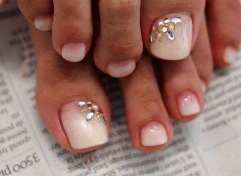 Nude Rhinestones Toe Nail Art Toe Nail Art Pinterest Toe Nail