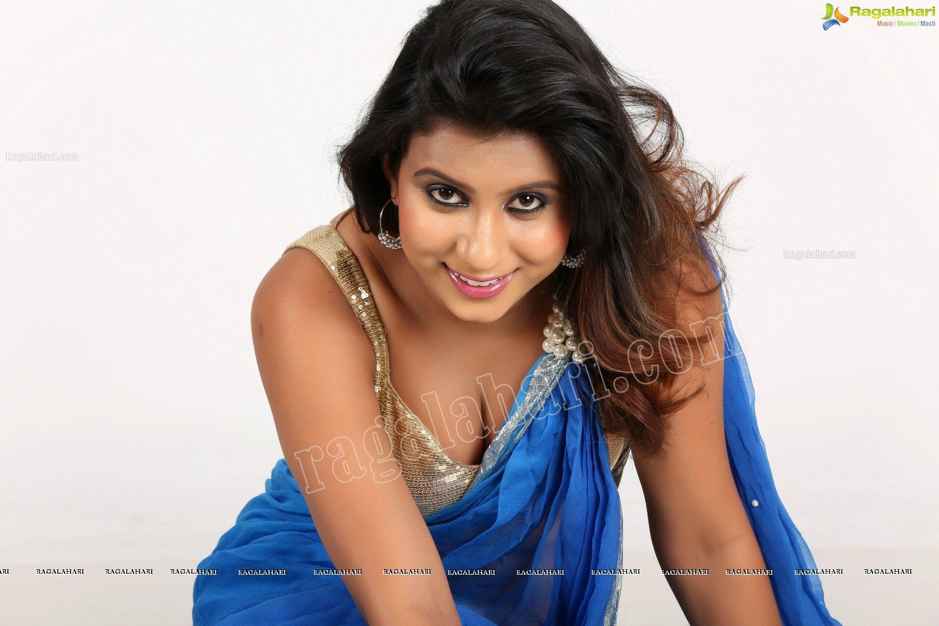 Vidya Indurkar In Blue Saree
