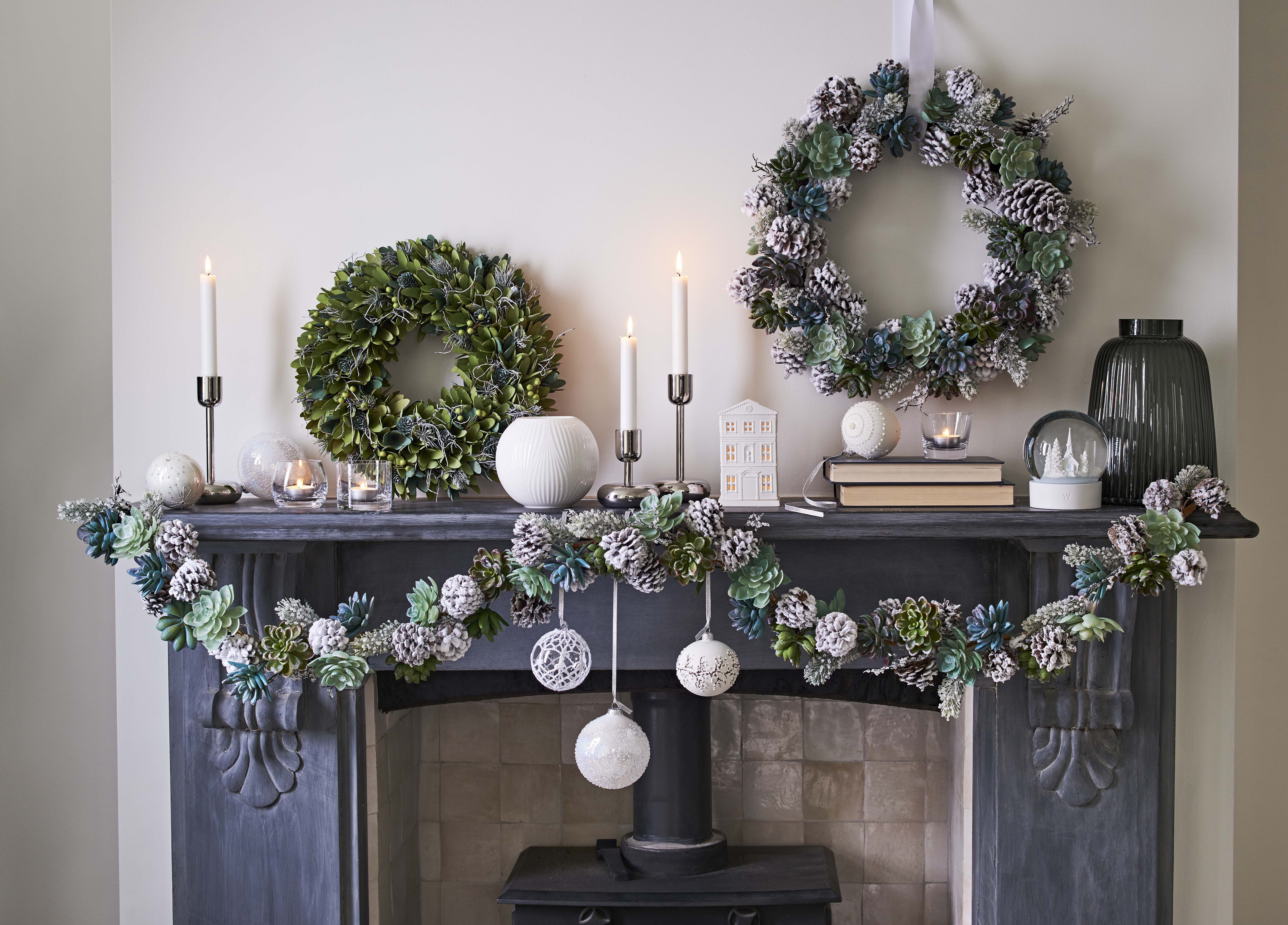 21 Beautiful Christmas Home Decorating Ideas You Ll Want To Co Beautiful Christmas Decorations Christmas Decorations For The Home Artificial Christmas Wreaths