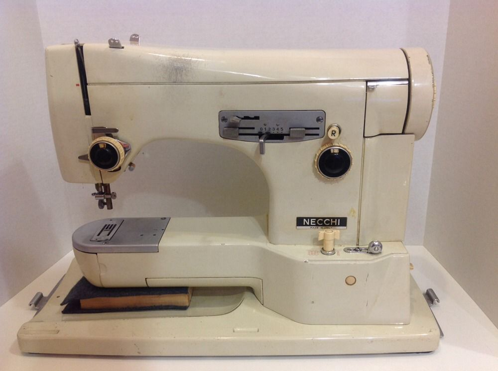 Vintage Necchi Italy Lycia 40 Sewing Machine As Is Vintage Sewing Magnificent Italian Sewing Machines