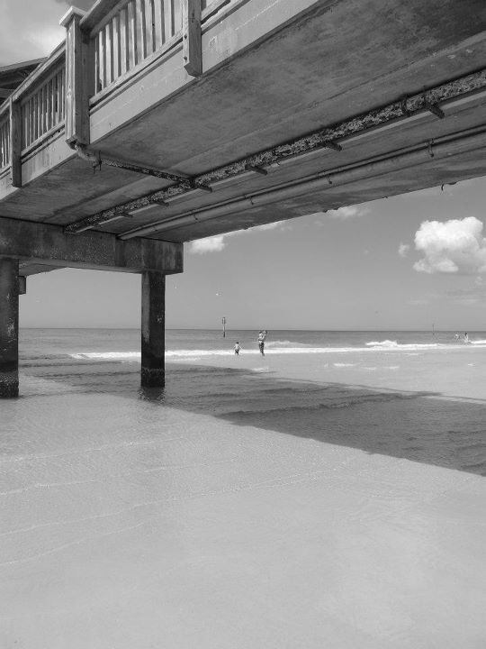 Clearwater Beach Florida pier...I walked under this pier last year spring  break when I visited Abby...I miss the beach!! a3eaa35405