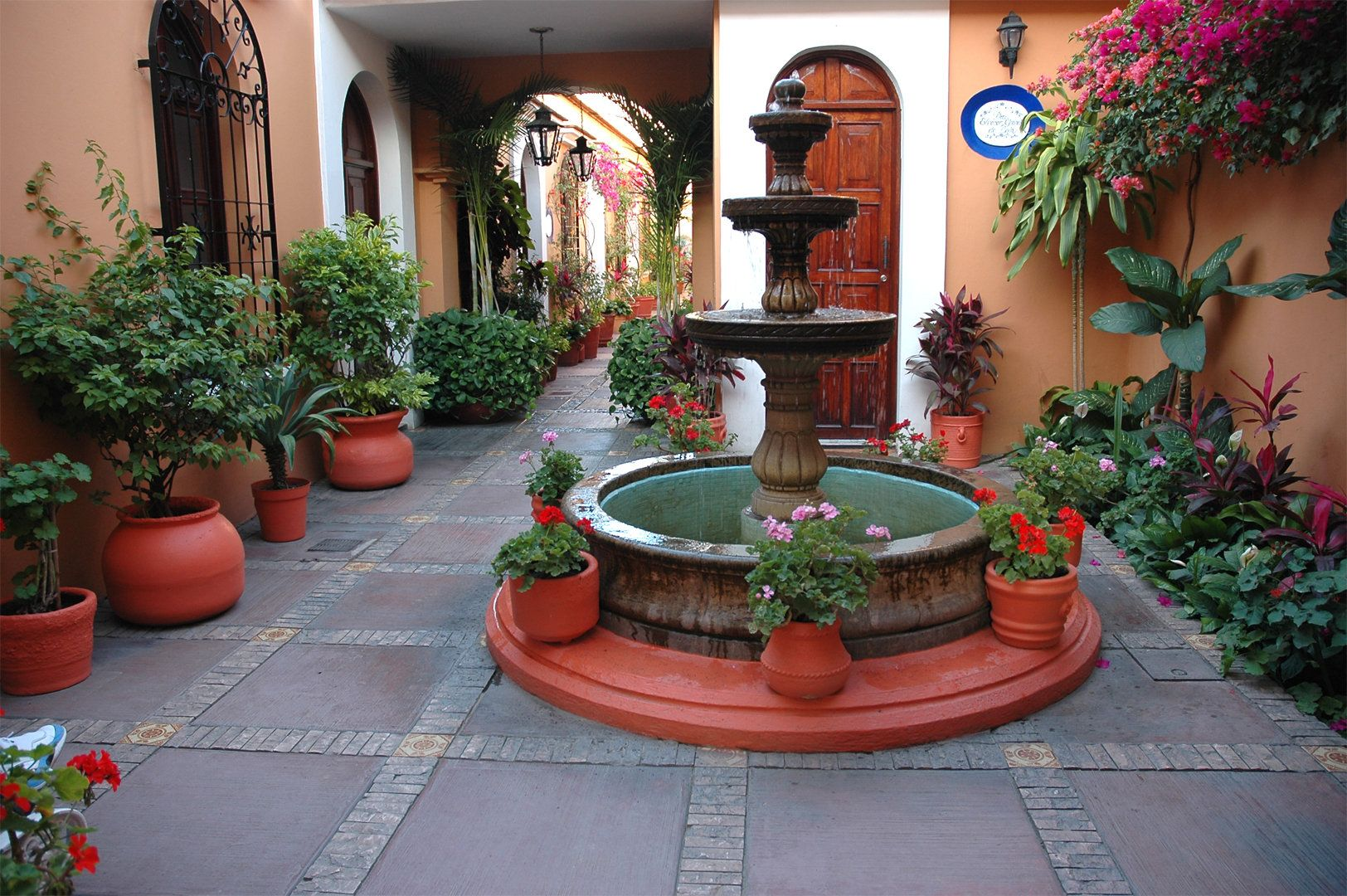 Fine mexican patio design ideas patio design 143 for Mexican porch designs