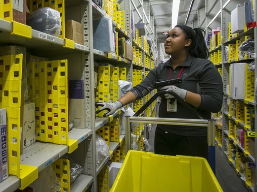 Amazon Opening Doors To Warehouse Tours Amazon Fulfillment